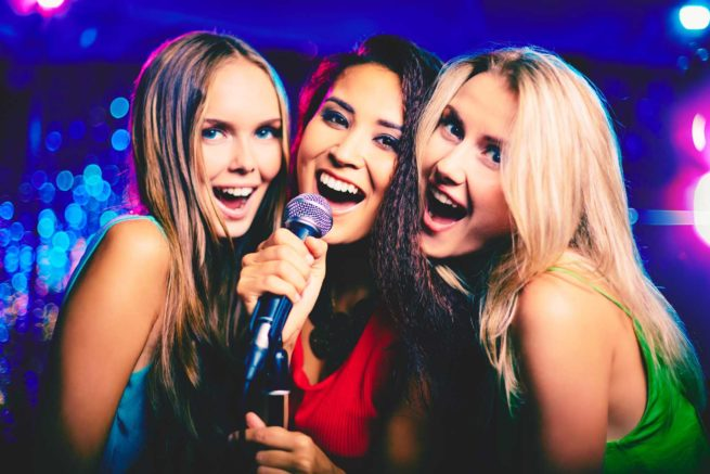 girls singing entertainment